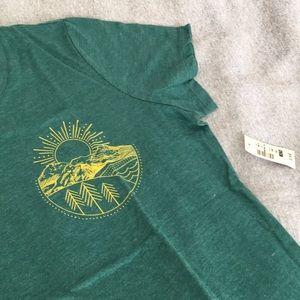 Tops - NWT Wilderness T-Shirt